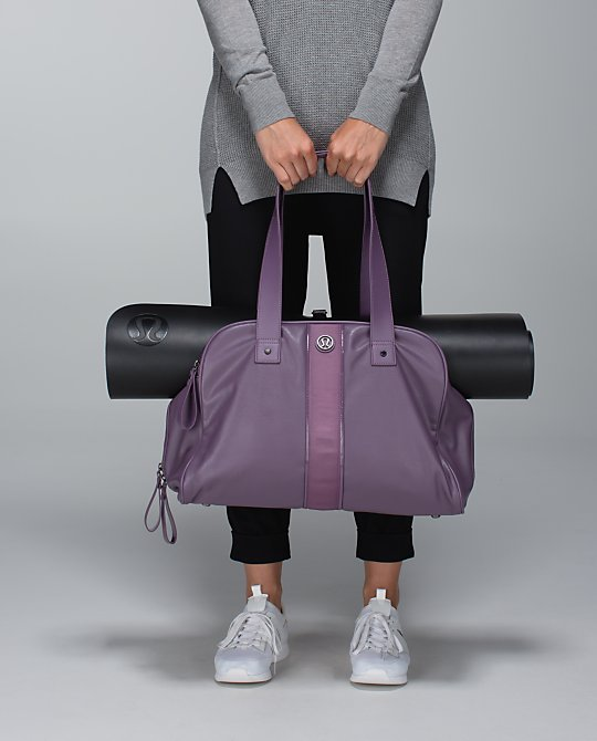 It Has Amazing Colors And The Bag Is Perfect Size To Take A Lunch Meeting Or Hold Your Yoga Mat For Next Class