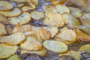 How-To-Make-Potato-Chips-1