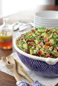 Quinoa-and-Kale-Salad-with-Avocado-Apples-and-Bacon-4